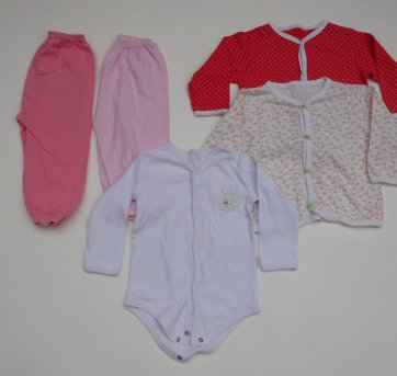 Pijamas Menina - Kit com 5 peças - Tamanho 3 a 6 meses