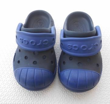 Papete / Crocs - Tamanho:  6