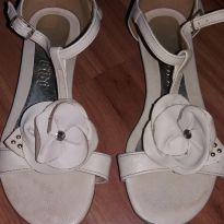sandália bibi tam 31 - doação pra compras em minha lojinha - 31 - Bibi