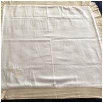 manta de algodão na cor branca com barra bege -  - Não informada