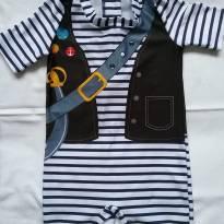 Traje de banho estampa pirata tam.1 - 9 a 12 meses - Baby Way