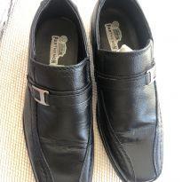 Sapato social infantil - 32 - Não informada