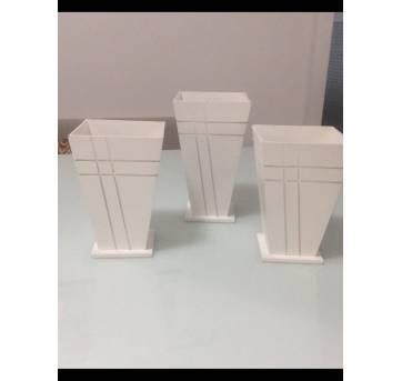 conjunto de vasos em madeira pintada de branco estilo provençal - Sem faixa etaria - Artesanal