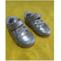 Tênis Klin Dourado menina tamanho 21 - 21 - Klin