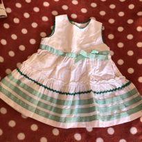 Vestido branco com apliques em fitas verdes - 1 ano - EPK