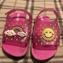 Linda sandália rosa com detalhe de sol e arco iris - 22 - ipanema