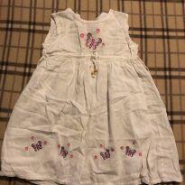 Vestido branco com bordado de borboletas - 2 anos - Importado