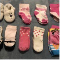 Kit com 7 pares de meia, pantufa de ursinhos e joelheira - Recém Nascido - GAP e Adidas