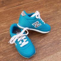 Tênis New Balance - 22 - New Balance