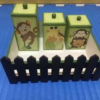 Lindo Kit Higiene Safari verde e marrom em MDF -  - Não informada