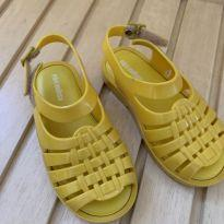 Melissa amarela - 25 - Melissa
