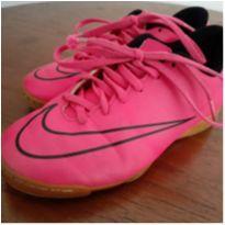 Chuteira Pink Nike Mercurial - 32 - Nike