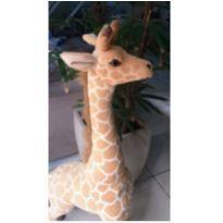 Girafa de Pelúcia Gigante 1,25cm