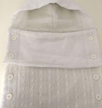 Porta bebê com capuz tricot luxo - Sem faixa etaria - Grão de Gente