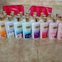 Compre R$200,00 em produtos na lojinha e ganhe um Body Lotion da VS! -  - Victoria`s Secret