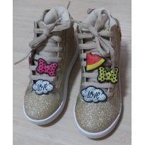 b4d454bcb AGORA FICOU PEQUENO! Tênis Sneaker Dourado Pampili   Tamanho 29   R  168