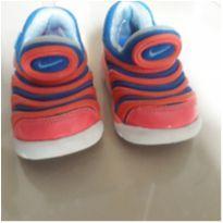 Tênis Nike Baby rosa e azul - 18 - Nike