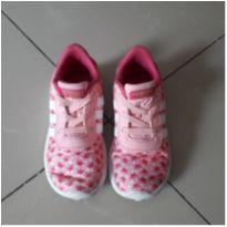 Tênis Adidas rosa em tecido (Calça 24)
