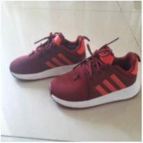 Tênis Adidas vermelho (Número 22 Brasil, 7C numeração americana) - 22 - Adidas