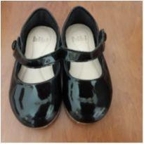Sapato preto de verniz Bibi (Número 22 mas calça 21) - 21 - Bibi
