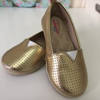Sapatilha dourada molekinha - 24 - Molekinha