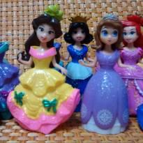 Princesas Disney com 2 Vestidos Para Trocar - Sem faixa etaria - Não informada