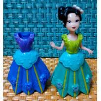 Boneca Mulán com 2 vestidos Clipping lindíssima - Sem faixa etaria - Não informada