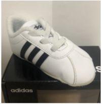 Tênis Adidas Bebê - 16 - Adidas