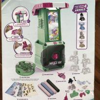 Fábrica de Bonecos -  - Toys R Us - USA