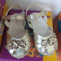 Sandália feminina dourada - 18 - Pimpolho