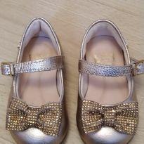 Sapato dourado - 18 - Bibi