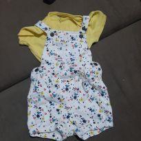 Jardineira Carters de florzinhas + blusa amarela - 18 meses - Carters - Sem etiqueta