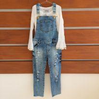 Macacão jeans com bata branca Animé (cód.0709) - 6 anos - Animê