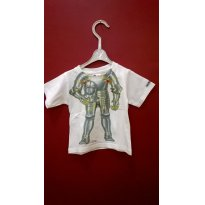 34- CAMISETA ARMADURA DE FERRO JUST ADD A KID - 9 a 12 meses - Just Add a Kid