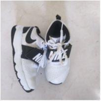 tênis infantil couro nike team hustle d - 19 - Nike