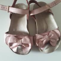 Sandália laço rosa