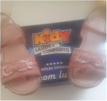 Sandália fofa com led - 25 - Kidy