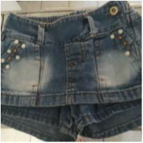 Shortinho jeans pérolas