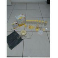 Bomba extratora de leite elétrica medela + acessórios -  - Medela