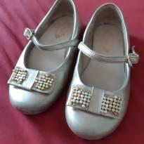 Sapatilha / sapato dourado - 27 - Pampili