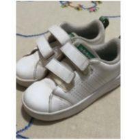 Tênis Adidas Couro - 24 - Adidas