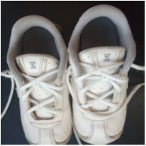 06. Tênis Nike Shox - 25 - Nike