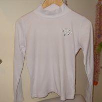 Blusa branca com detalhe prateado - 14 anos - Não informada