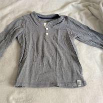 Kit 2 camisetas ML, Carters, oshkosh, importada, tam 4/5 - 5 anos - Carter`s e OshKosh