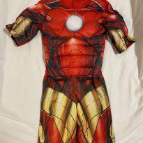 Fantasia Homem de Ferro com enchimento tam 10 pouco usada - 10 anos - Avengers