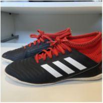Chuteira ADIDAS Predator FUTSAL preta e vermelha tam 33 - 33 - Adidas
