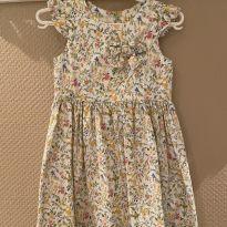 Vestido Festa Um Mais Um linda estampa floral tecido jacquard tam 3 pouco usado - 3 anos - Um mais um