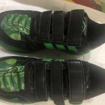 Tênis Adidas do Hulk coleção Marvel - 32 - Adidas