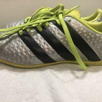 Chuteira Adidas nova - 32 - Adidas
