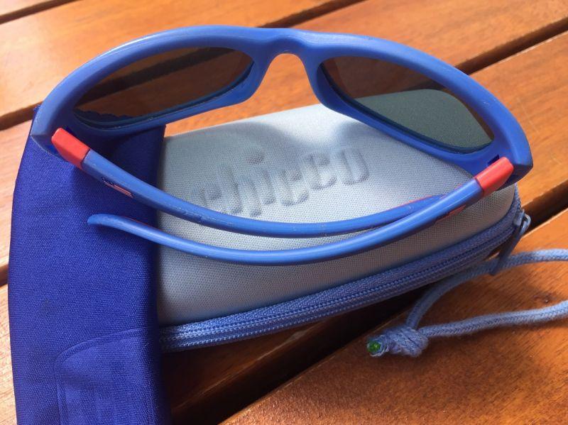 Óculos De Sol Infantil Chicco oferece estilo e proteção para os olhos do  seu bebê. Resistente armação antichoque confeccionada em borracha flexível. cfb0bf1ce1
